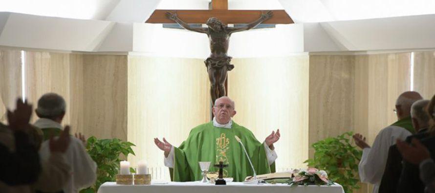 Para conocer a Jes�s no basta solo con el catecismo: Papa Francisco