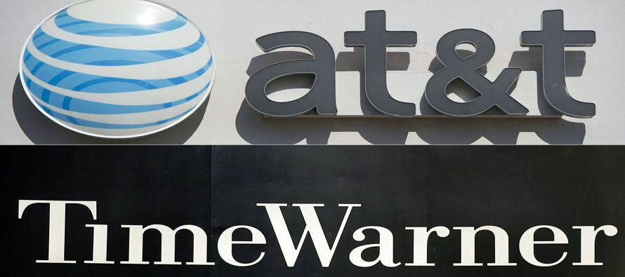 Las acciones de AT&T y Time Warner caen en medio de escepticismo por su acuerdo