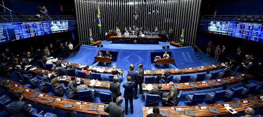 De acuerdo a la Constitución brasileña, ni la impopularidad ni la pérdida de mayorías...