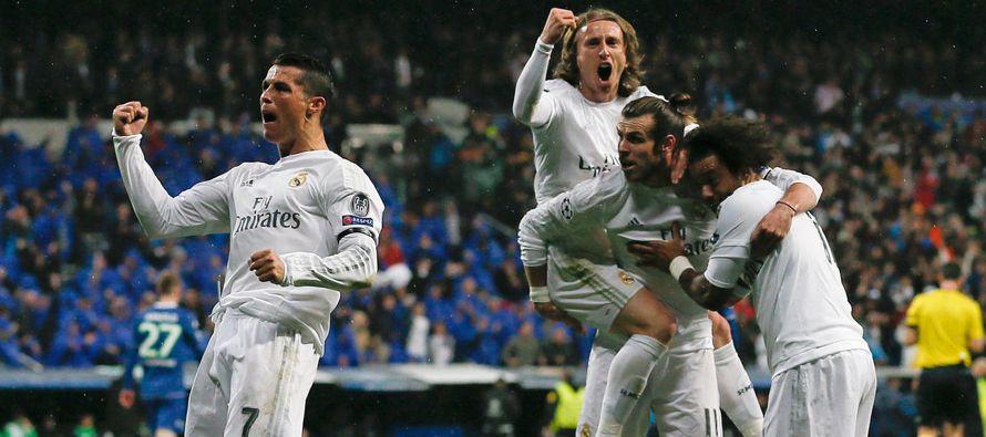 """Cristiano Ronaldo respondió a las críticas con un """"hat-trick"""" en una remontada del Real..."""