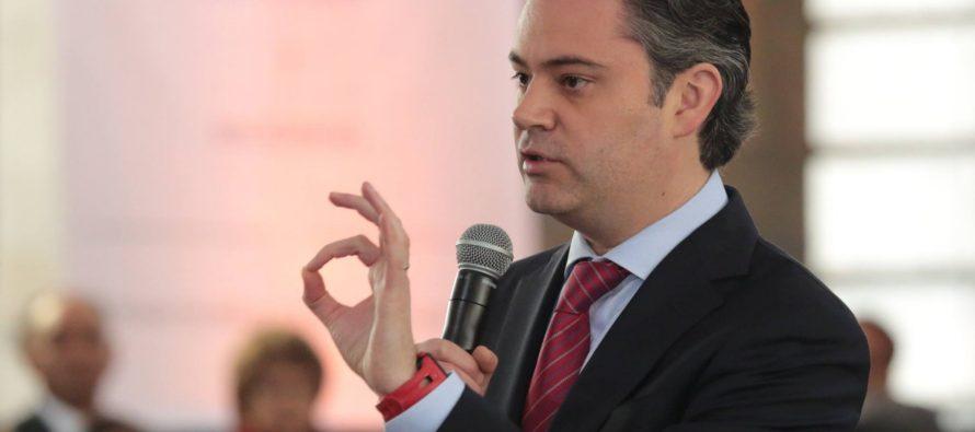 Aurelio Nuño, el secretario de Educación, ha inaugurado esta mañana EL PAÍS en tu futuro, un evento...
