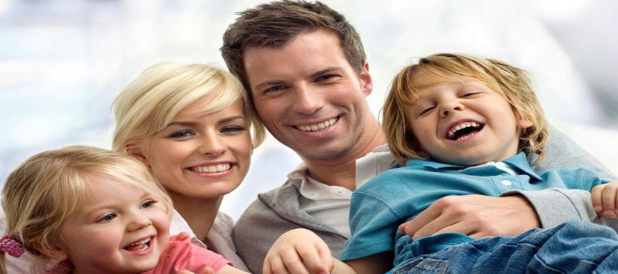 Si la fe reina en la familia, si existe esa mirada profunda que reconoce que no cae ni una hoja de...