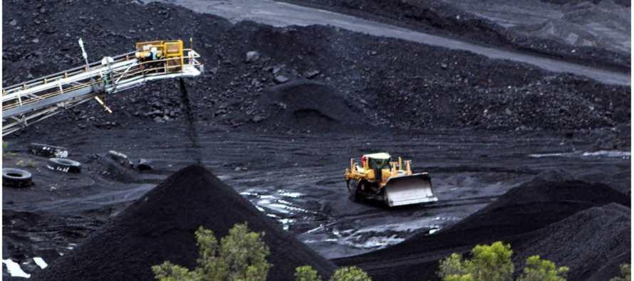 A pesar de sus promesas para combatir el cambio climático, China busca extraer más carbón
