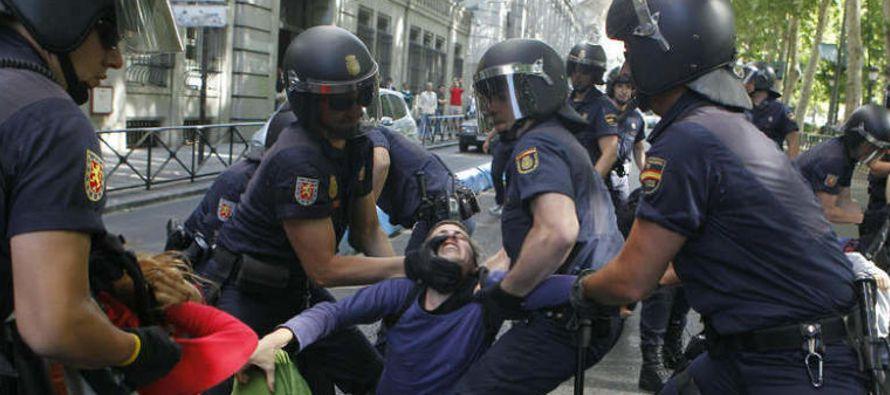 Una treintena de venezolanos que viven en Europa hicieron hoy llegar la denuncia de la situación de...