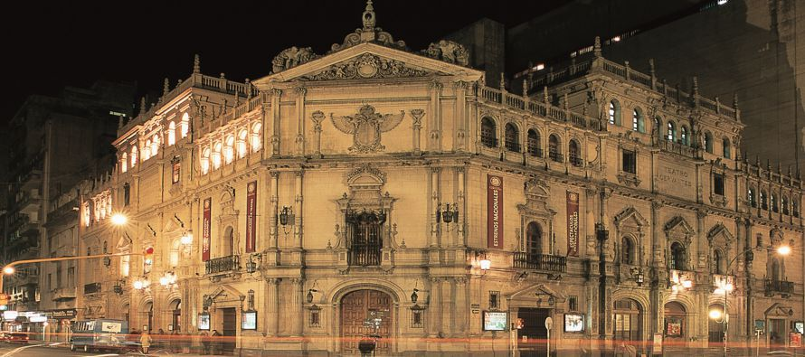 Esta semana, el Gobierno argentino anunció la licitación de las obras de la fachada del teatro, que...