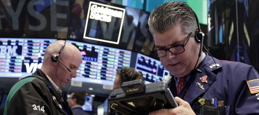 Las acciones cerraron con pérdidas el miércoles en la bolsa de Nueva York, con retrocesos de los...