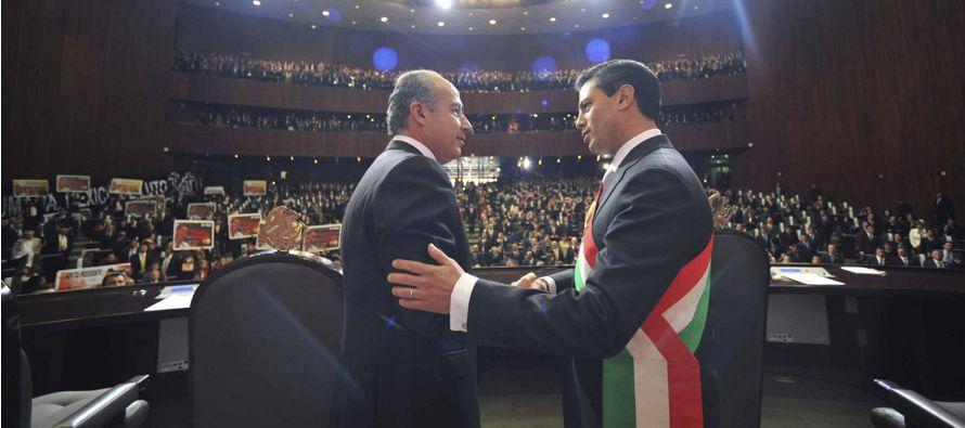 Calderón tomó la decisión de enviar a Michoacán, el 11 de diciembre de 2006, a 4.260 soldados,...