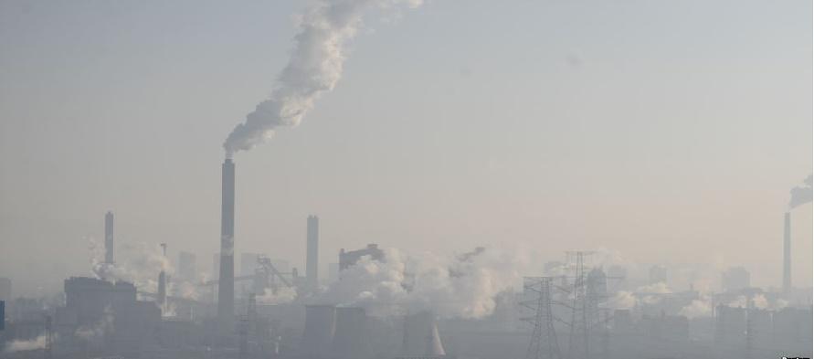 De las 338 ciudades controladas por este departamento, un 7,1 % sufrían hoy una polución...