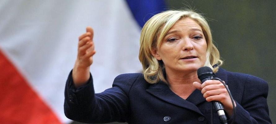 """""""Los dirigentes políticos no son funcionarios, empleados de banca o de multinacionales, sino dirigentes de un país"""", indicó Le Pen, que insistió en que la """"relocalización y el patriotismo económico"""" solo son posibles cuando hay voluntad política."""