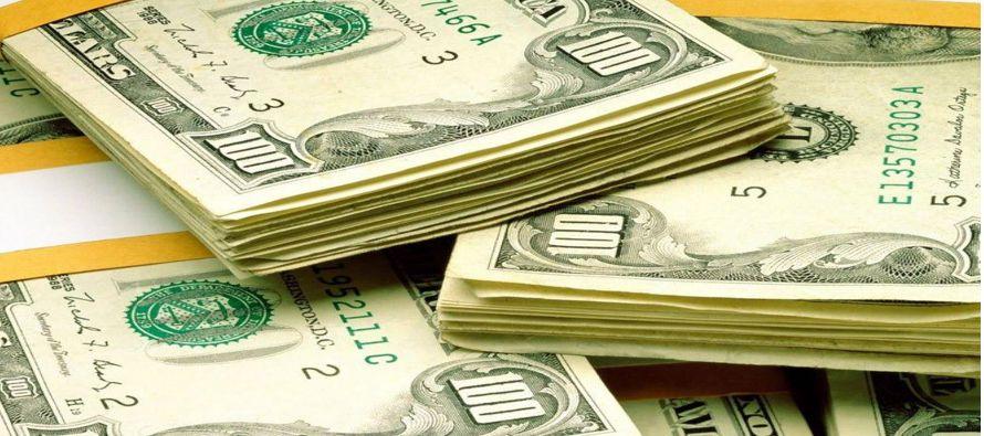 Los mayores costos de endeudamiento a raíz de las elecciones en Estados Unidos y otras tensiones,...