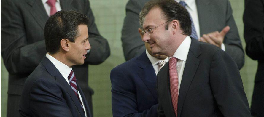 Al anunciar este cambio en su gabinete durante una conferencia de prensa, Peña Nieto dijo que le...