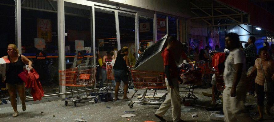 La tarde del jueves se convocaron al menos seis marchas en la zona metropolitana de Monterrey para protestar contra el aumento de la gasolina, de entre un 14 % y un 20 % según el tipo de combustible, decretado por la actual administración del presidente d