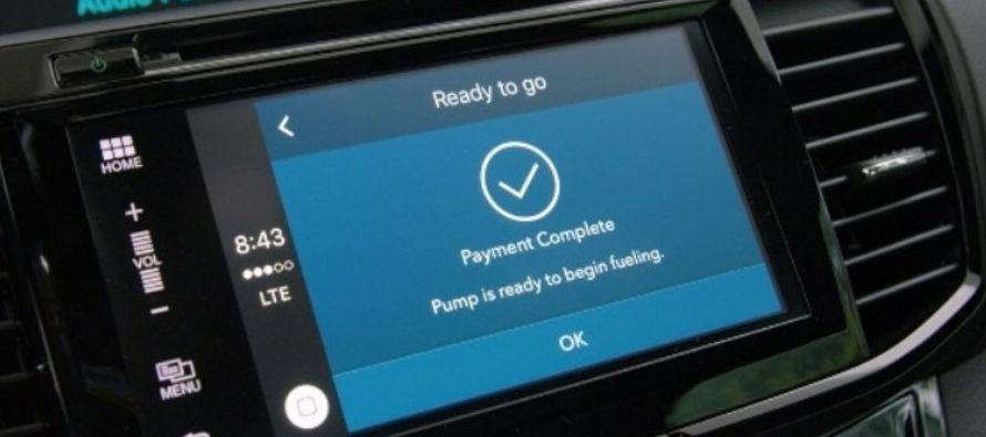 Apoyados en la tecnología inalámbrica Bluetooth, los automóviles conectarán con los surtidores de...