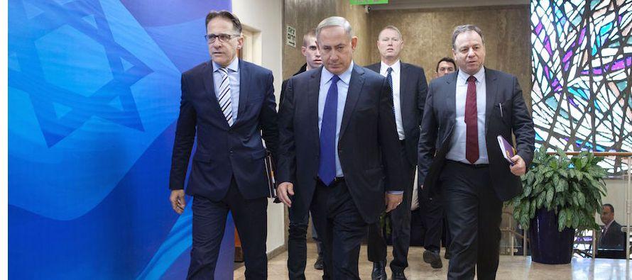 """""""En el pasado la familia Netanyahu ha sido sospechosa de actuar como si fueran la..."""