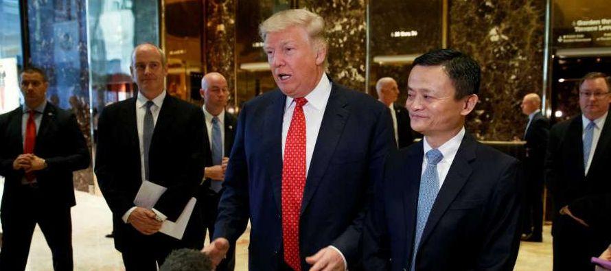 """""""Específicamente hemos hablado para ver cómo se apoya a un millón de pequeñas empresas, especialmente en el Medio Oeste (de EE.UU.), para que vendan sus productos (...) en China y en el sudeste asiático"""", donde tiene una fuerte presencia Alibaba."""