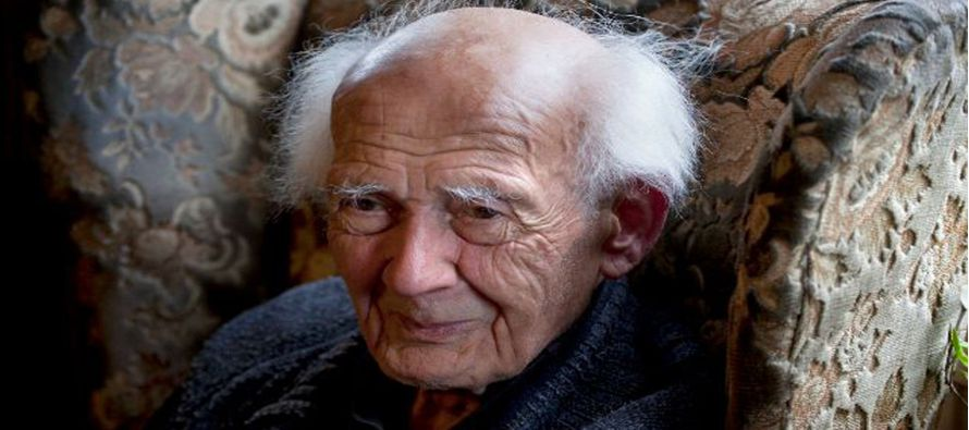 """Con Zygmunt Bauman se apaga una de las voces más críticas con la sociedad contemporánea, individualista y despiadada, a la que definió como la """"modernidad líquida"""", aquella en la que ya nada es sólido."""