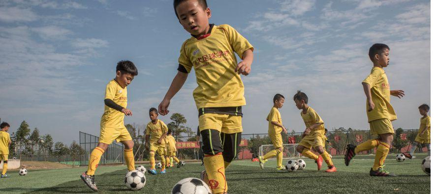 Es una iniciativa casi imposible porque los equipos chinos han tenido clasificaciones muy modestas...