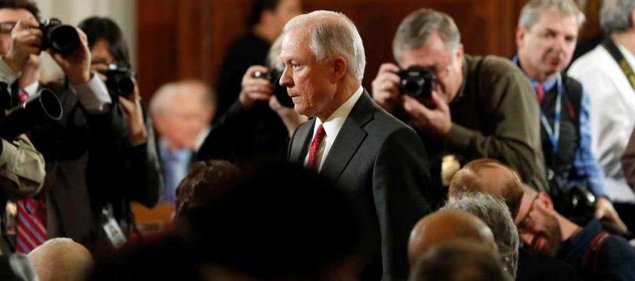 El senador por Alabama también se reafirmó en su rechazo al cierre de Guantánamo, una prisión en la...