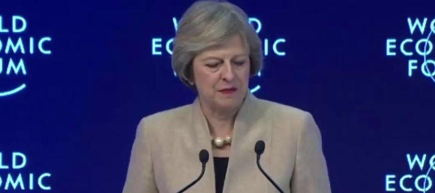 """May asegura que el """"brexit"""" hará del Reino Unido un actor global más fuerte"""