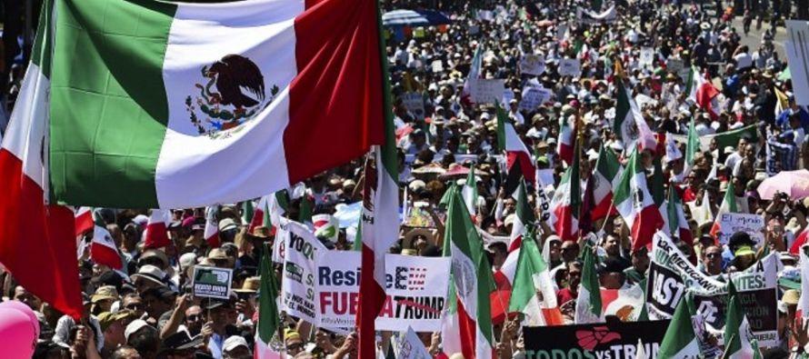 """La protesta """"ratifica que México es un país donde los ciudadanos ejercemos con plenitud..."""
