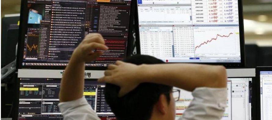 Samsung Electronics, uno de los valores de más peso en el parqué de Seúl, abrió con un fuerte...