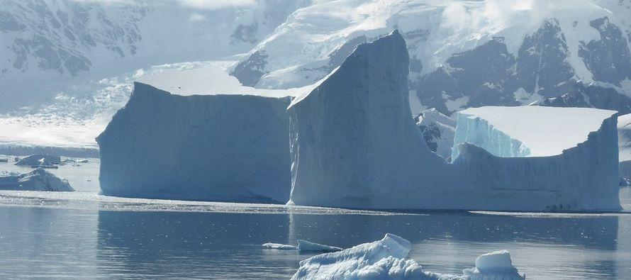 El hielo marino ártico y antártico registra un mínimo récord en enero