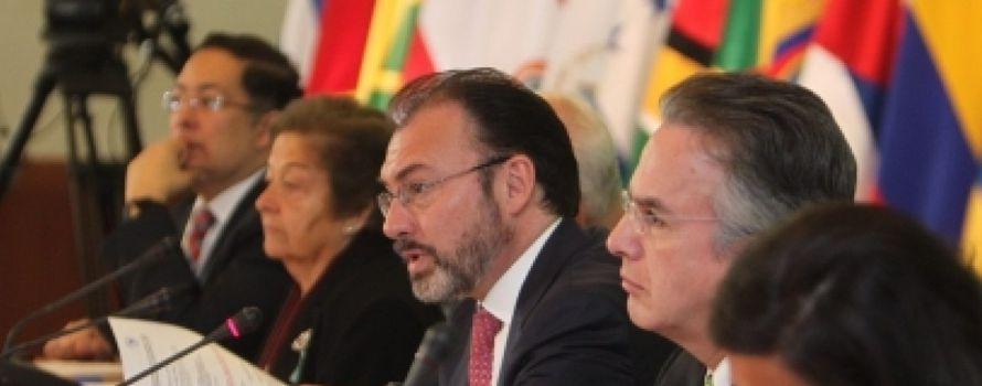 """Videgaray, a Tillerson: México no se moverá """"un milímetro"""" sobre el muro"""