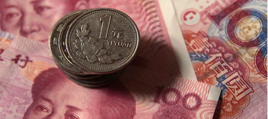 Ventas chinas de divisas extranjeras disminuyen por fortaleza del yuan y controles de capital