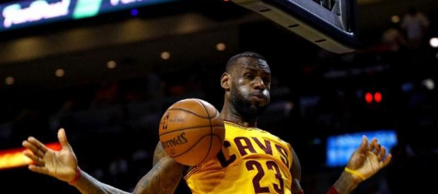 LeBron James combina un gran juego con francas declaraciones