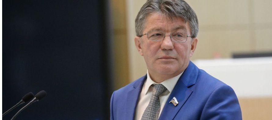 """Ozerov recordó que los tratados internacionales """"son la base del control sobre las armas..."""