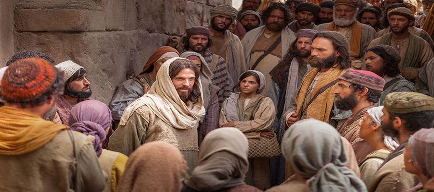 Hoy, como aquel amo que iba cada mañana a la plaza a buscar trabajadores para su viña, el Señor...