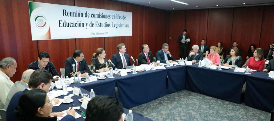 El presidente de la Comisión de Educación, Juan Carlos Romero Hicks, del conservador Partido...
