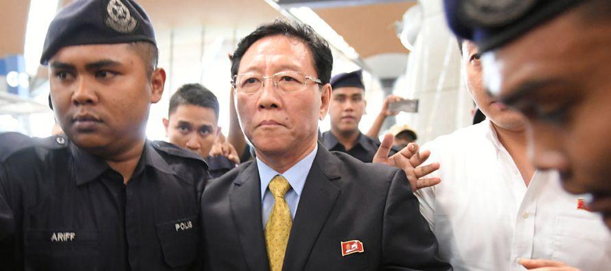 Malasia y Corea del Norte expulsaron el lunes a sus respectivos embajadores mientras se agrava su...