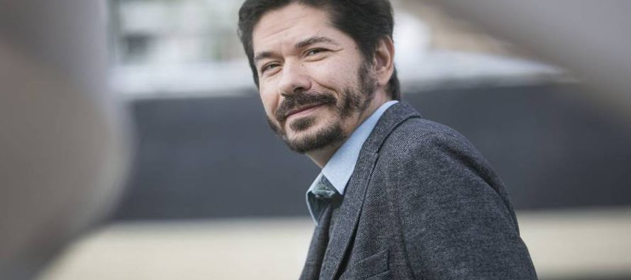 Como salvoconducto, el personaje de su última novela se llama Juan Pablo y es un joven mexicano...