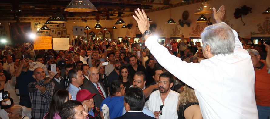 El excandidato a la Presidencia del país azteca manifestó mostrar mucho interés en visitar Arizona,...