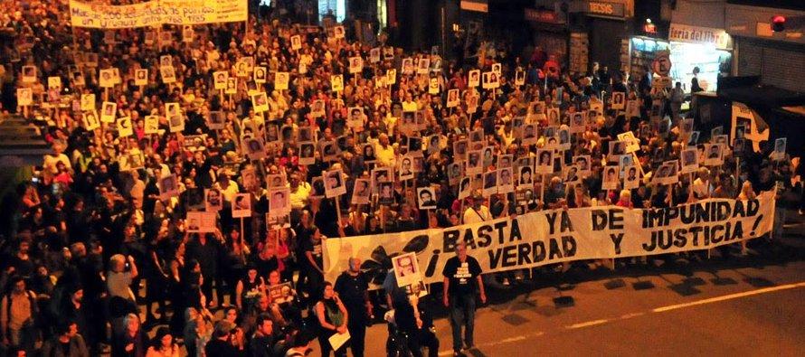 La multitudinaria manifestación, que arrancó hoy a las 17.00 frente al Congreso y terminó en la...