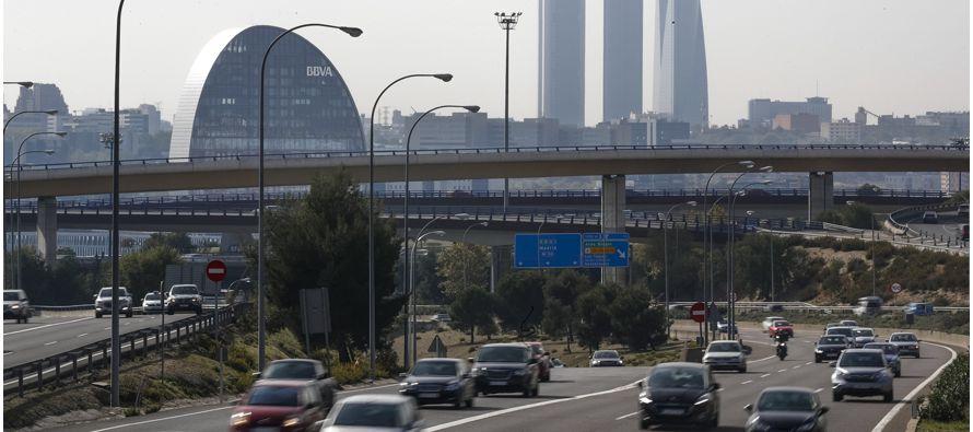 Los vehículos más antiguos verán limitada su circulación en la ciudad de Madrid a partir de 2025,...