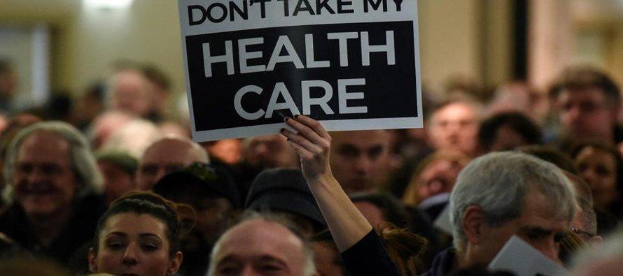 """El """"Obamacare"""" permitió que unos 20 millones de ciudadanos sin seguro previo obtuvieran..."""