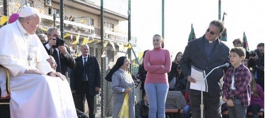 El Papa les contó así que el día anterior había tenido una reunión con un grupo de unas 400...