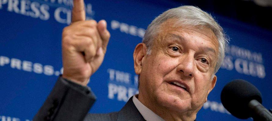 López Obrador condenó en una larga rueda de prensa la situación de los inmigrantes mexicanos en...