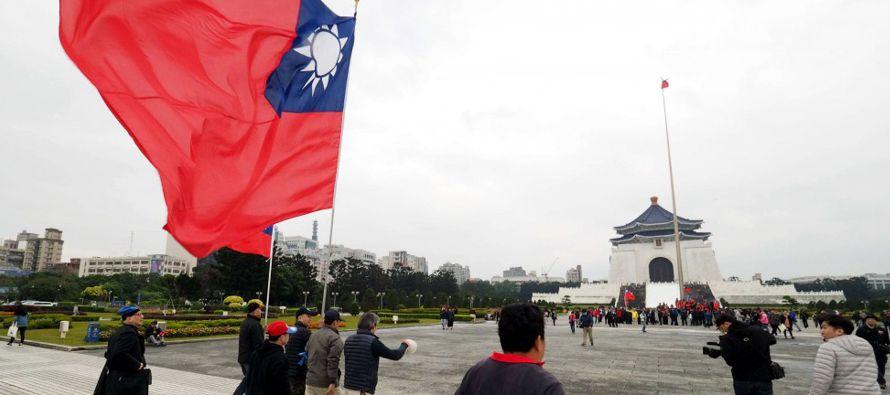 Las relaciones entre Taiwán y China se tensaron con el ascenso al poder en la isla de la presidenta...