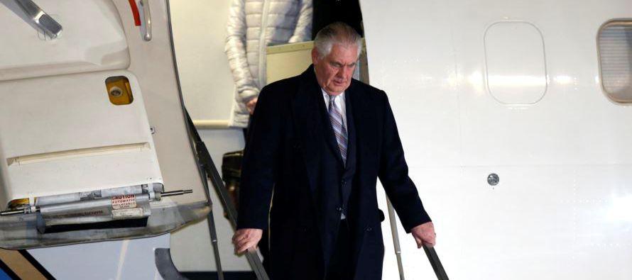 La visita de Tillerson se produce en un momento en el que Tokio está especialmente tenso ante el...