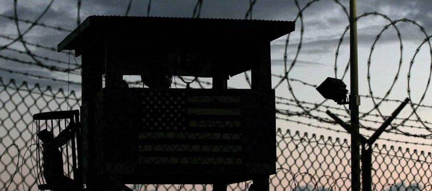 Trump quiere modernizar el centro de detención en territorio cubano, que su predecesor demócrata...
