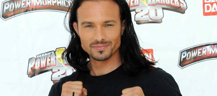 """Un actor conocido por su papel en la serie infantil de televisión """"Power Rangers"""", que..."""