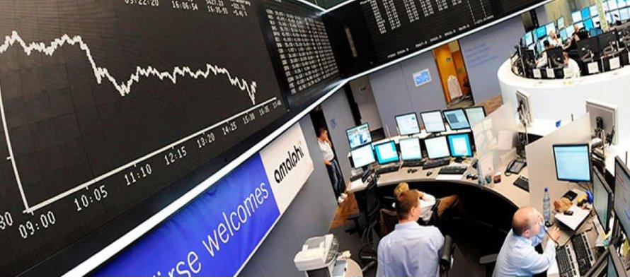 El índice de bancos de la zona euro subió hasta un 1,4 por ciento antes de recortar su avance y...