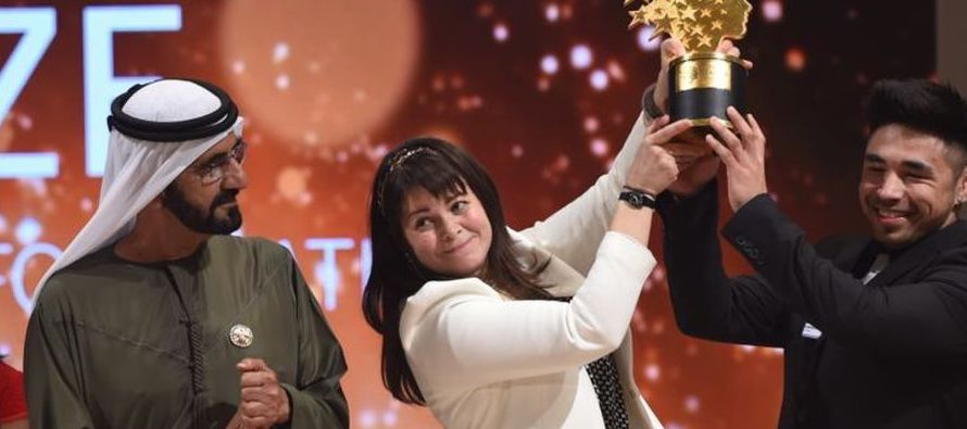 La ceremonia de entrega de premios comenzó con un concierto del tenor italiano Andrea Bocelli y...
