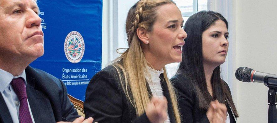 La mujer de Leopoldo López, preso desde hace tres años por el Gobierno de Nicolás Maduro, denunció...