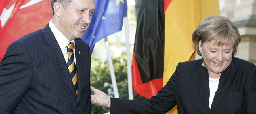 El presidente de Turquía, Recep Tayyip Erdogan, volvió a acusar este domingo a Alemania, y...