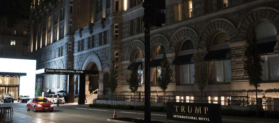 La empresa está lanzando una nueva cadena de hoteles en varias ciudades grandes y pequeñas de...
