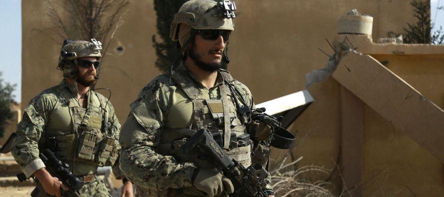 Estados Unidos aumentó su implicación en la guerra contra el grupo Estado Islámico al organizar un...